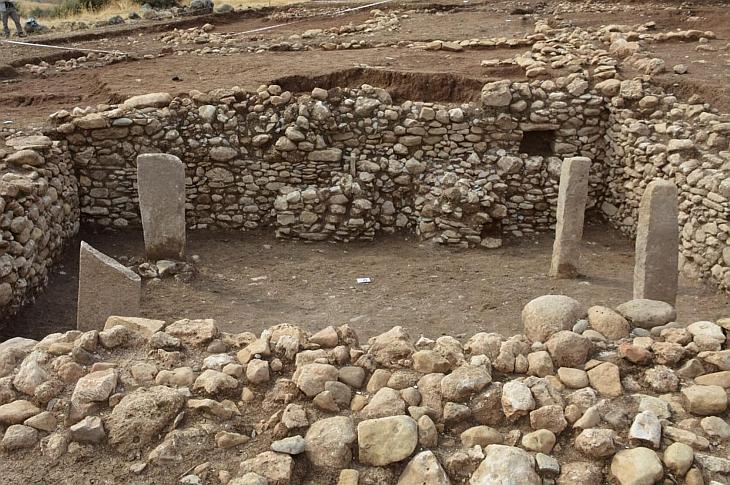 Храм в Бонджуклу Тарла