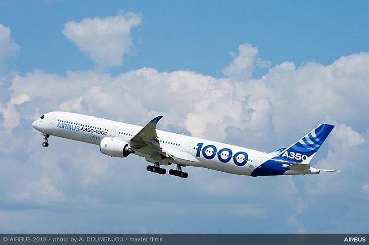 Первый беспилотный взлет самолета Airbus