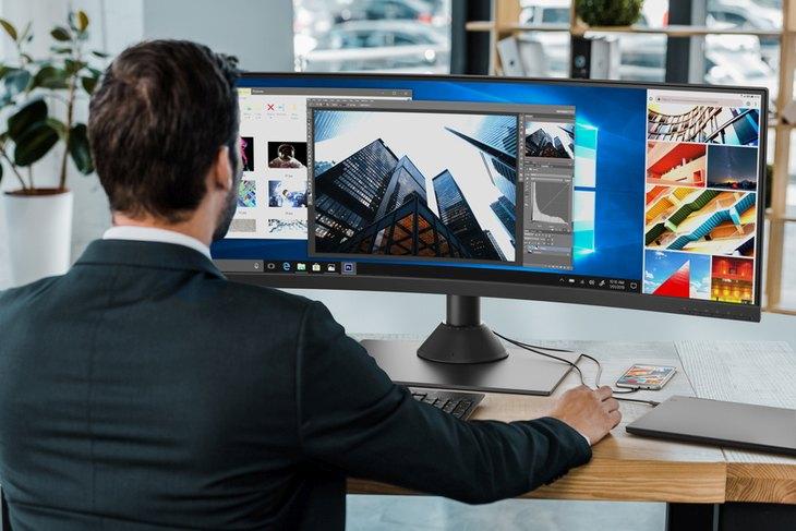 "Монитор Lenovo ThinkVision P44w объединяет в себе возможности двух 24"" дисплеев"