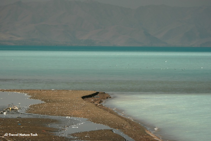 Пляж на озере Ван
