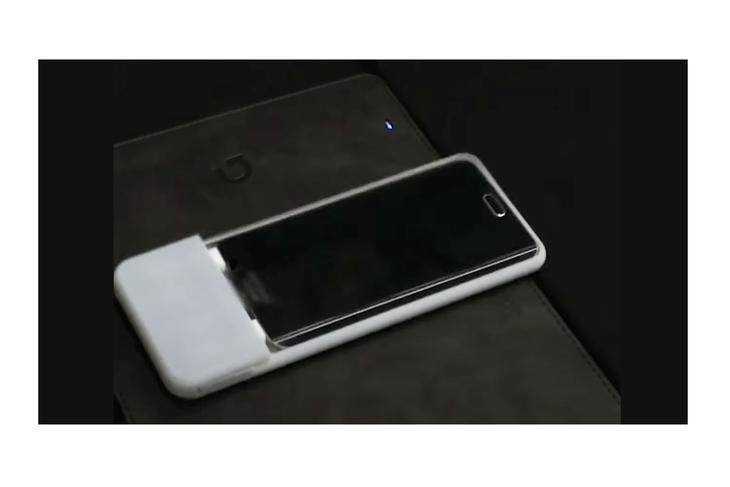 Чехол для смартфона, сам ползущий к зарядке. Как вам такое?