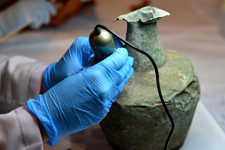 Музей Трои пригласил понаблюдать за реставрацией находок